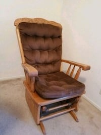Solid  wooden rock in chair  Chico, 95926