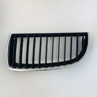 BMW 3 SERIES- RIGHT CHROME GRILL (224059-10)  Vancouver, V5T 3G6