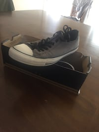 Low top Old Silver Converse  Madera, 93637