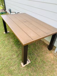 Outdoor table Fort Mill, 29715