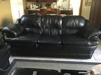 BLACK 2 & 3 SEATER COUCHES Markham, L3P 6G5