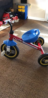 toddler's red and blue trike Blackwood, 08012