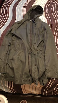 Olive Trench Coat size: medium  Youngstown, 44511