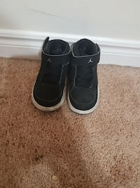 Jordon toddler shoe size 5 usa Pickering, L1V 4Y1