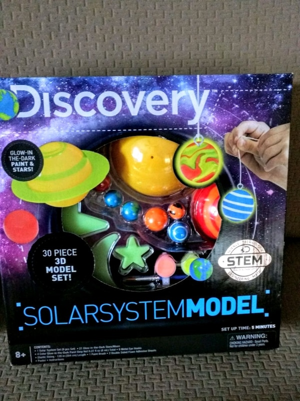 Brand new discovery 3D solar system stem toy