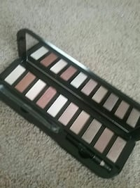 Eyeshadow Palette by Classic 10 Triangle, 22172
