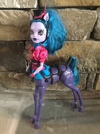 blue haired Monster High character toy Maryville, 37804