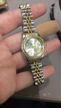 round gold-colored analog watch with link bracelet Gaithersburg, 20879