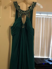 Women's emerald green dress size 11/12 have matching size 7 shoes as well Norfolk, 23505