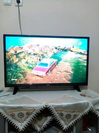 REGAL LED TV 82 EKRAN