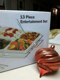 Serving platter brand new in box Toronto, M6A 2S3