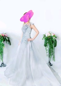 Wedding gown/evening gown