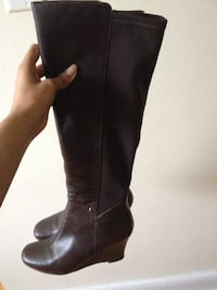 Brown's chocolate boot, leather with fabric back, wedge, zipper on inner side null