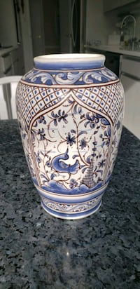 Blue And White Vase Made in Portugal Abington, 19001