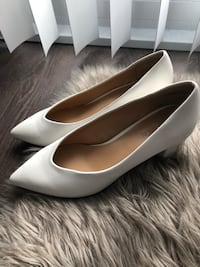 White wedge heels Toronto, M6J 1J4