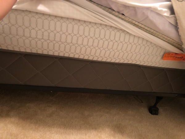 Sealy Queen Size Bed With Mattress Protector Stain Free Box Springs And Frames Only Used Less Than 5 Times Usado En Venta Dublin