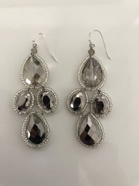 WOMENS EARINGS Markham