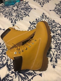 Brand new Timberlands  Chicago, 60638