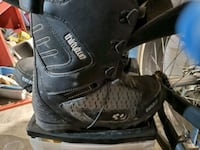 Snowboard boots ( name brand Thirtytwo)