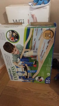 white and green Fisher-Price cradle n swing box Richmond Hill, L3T