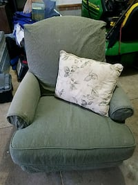 Chair with pillow Green