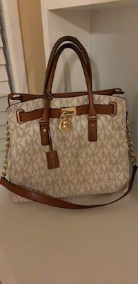 Michael Kors white purse Montgomery Village, 20886