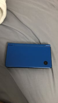 Blue nintendo ds with game cartridge Alexandria, 22309