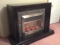 Elegant electric fireplace Fort Erie, L2A 4Z4