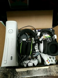 Xbox 360 console with controllers Amarillo, 79109