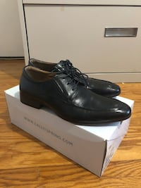Dress shoes size 8 Toronto, M1P 4P5
