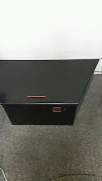Trailer tool box fits on the tounge pneumatic lid  Mattoon, 61938