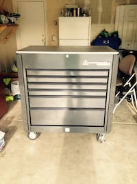 Gray and black craftsman tool chest