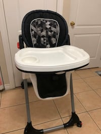 High Chair Vaughan, L4L 1S9