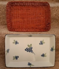 """Casserole Baking Dish 10"""" x 16"""" x 2"""" deep comes with wicker basket as shown In excellent condition Pick-up in Newmarket (ref # vv) Newmarket"""