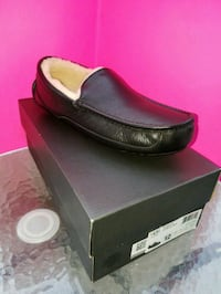 Ugg Ascot Leather Slippers Mens (new in box) Ontario, 91761