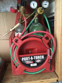 Acetylene & Oxygen torch plus different size heads.  Both tanks are full  Fallbrook, 92028