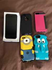 iPhone SE 64 gb unlocked & 4 cases Vancouver, V5T