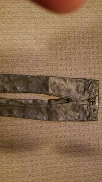 Size 4 girls silver jeans  Cambridge, N1T 0A8