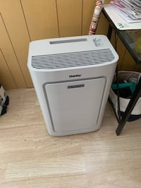 white Haier portable AC unit Dix Hills, 11746