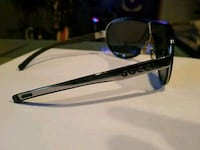 Gucci sunglasses w/ case (100% authentic)  Las Vegas, 89104