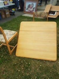 Solid wood table ..great for students!!! Vaughan