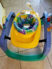 Excellent boucing exersaucer for $25  only Toronto, M1V 2N7