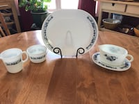 Vintage Pyrex old town blue set and Corelle platter Calgary, T2W 2H5