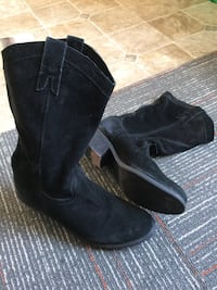 Aldo black suede cowgirl boots Cambridge, N1R 1C8