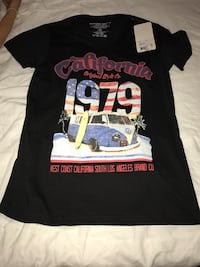 Noir, blanc et rouge California 1979 print crew-neck t-shirt
