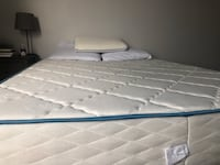White and gray bed mattress Chicago, 60608