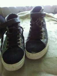 pair of black-and-white high top sneakers Hudson, 28638