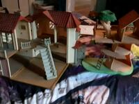 Calico critters big house and tree house Cambridge, N1S 2B4