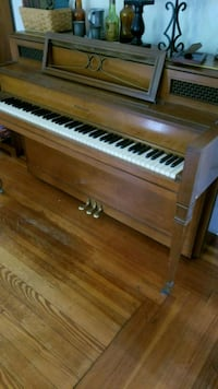 Upright Piano Story & Clark