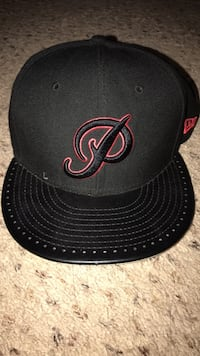 black and red fitted cap Fresno, 93722